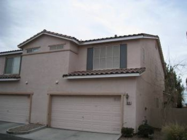 town home for rent in southwest las vegas located in gated community