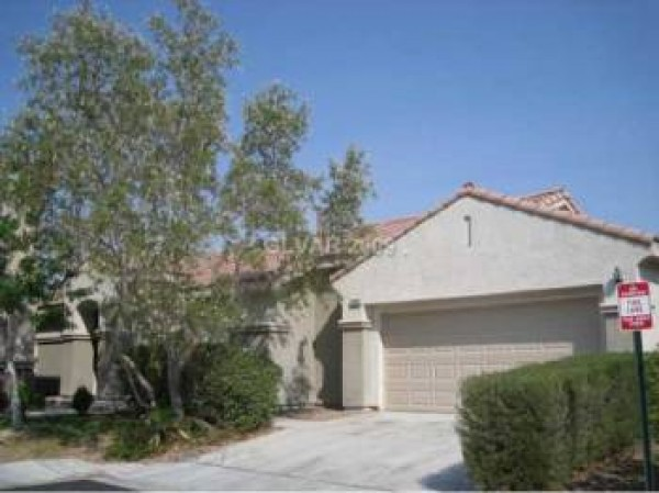 single story home for rent located in gated community in north las vegas