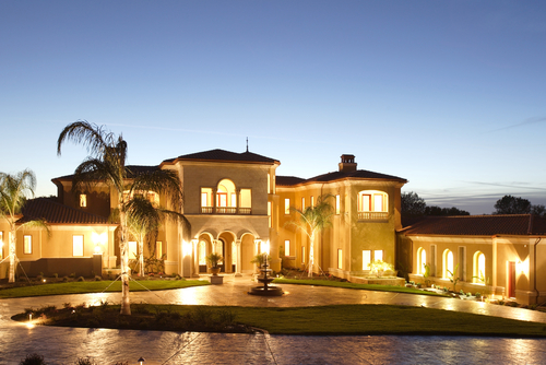 Leaving las vegas million dollar mansions in foreclosure for Big gorgeous houses